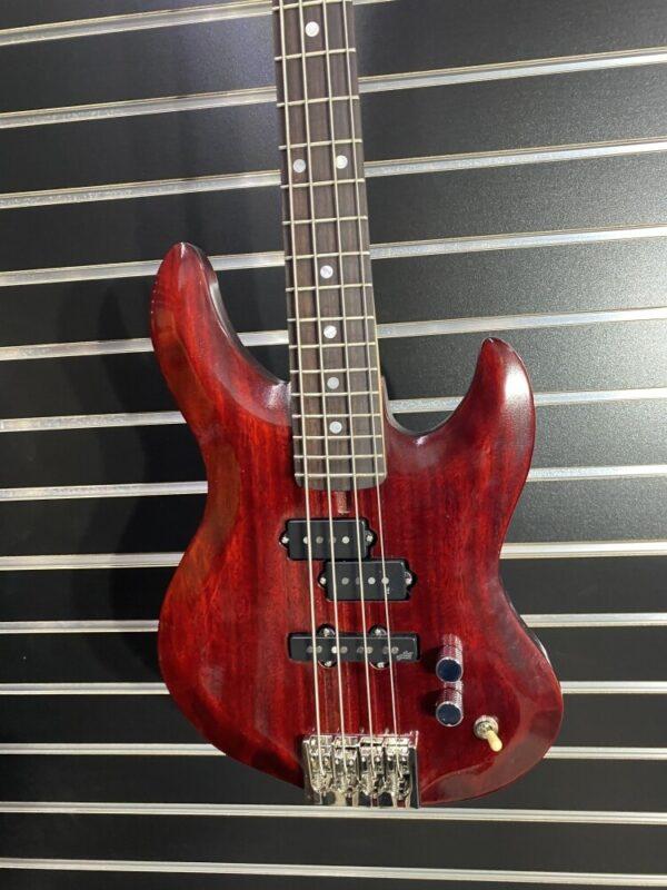 "Gemini SN#3202820 32"" Bass Guitar"